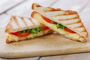 препечен сандвич
